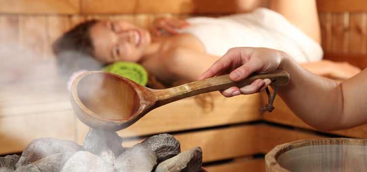 Sauna im Wellnessuralub